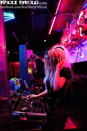 DJ Kari Berg at Nocturnal Halloween Ball 2013 Photographer: Nikdesign